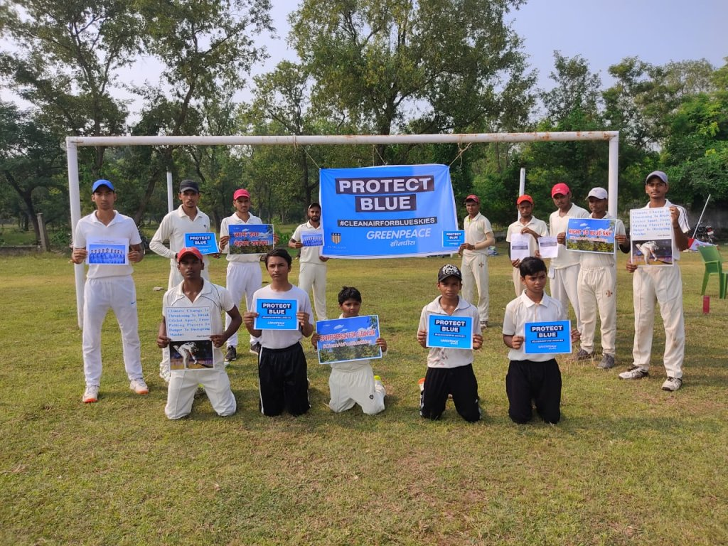 Cricketers and Volunteers support Clean Air for Blue Skies